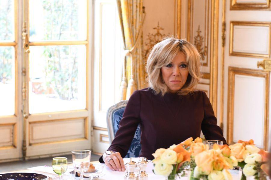 Brigitte Macron lors du déjeuner à l'Elysée avecSaad Hariri et sa famille.