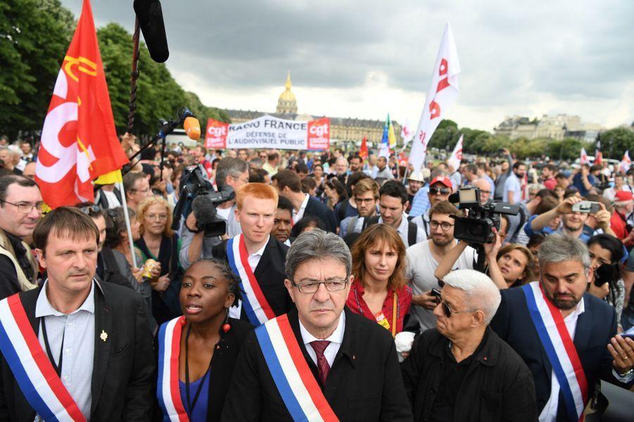 Les députés de la France insoumise arrivent à l'Assemblée nationale le 27 juin 2017.