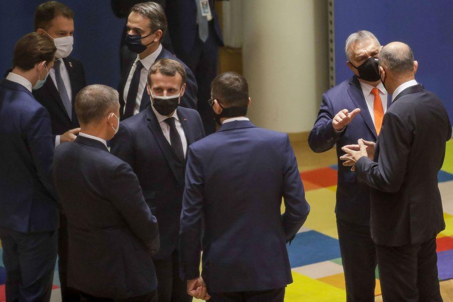 Emmanuel Macron à Bruxelles jeudi 10 décembre, une semaine avant l'annonce de son diagnostic de Covid-19.