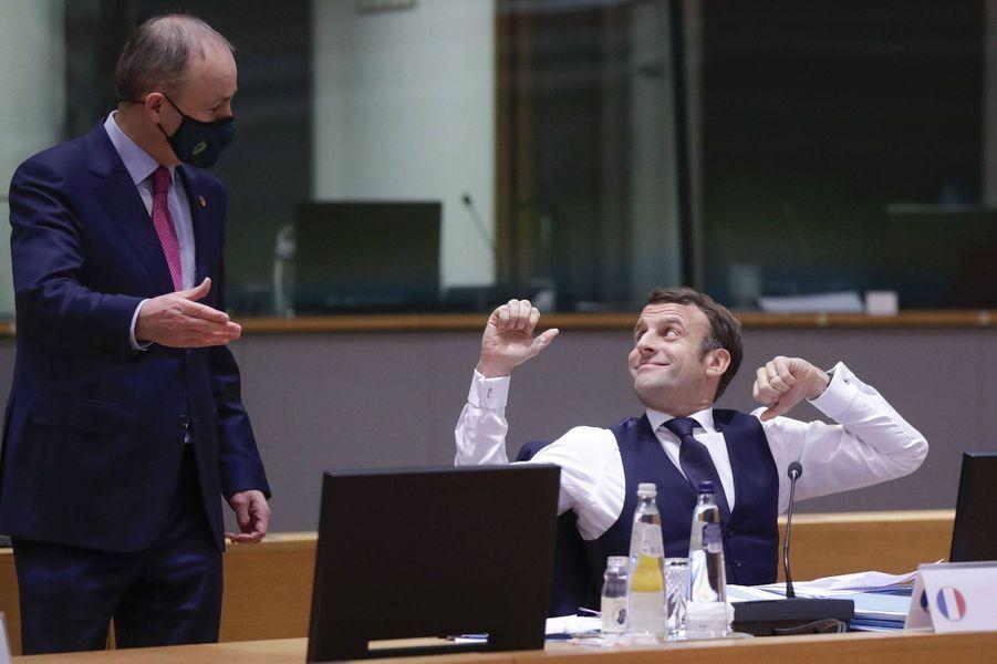 Emmanuel Macron à Bruxelles le 11 décembre, après une nuit de négociations au Conseil européen.