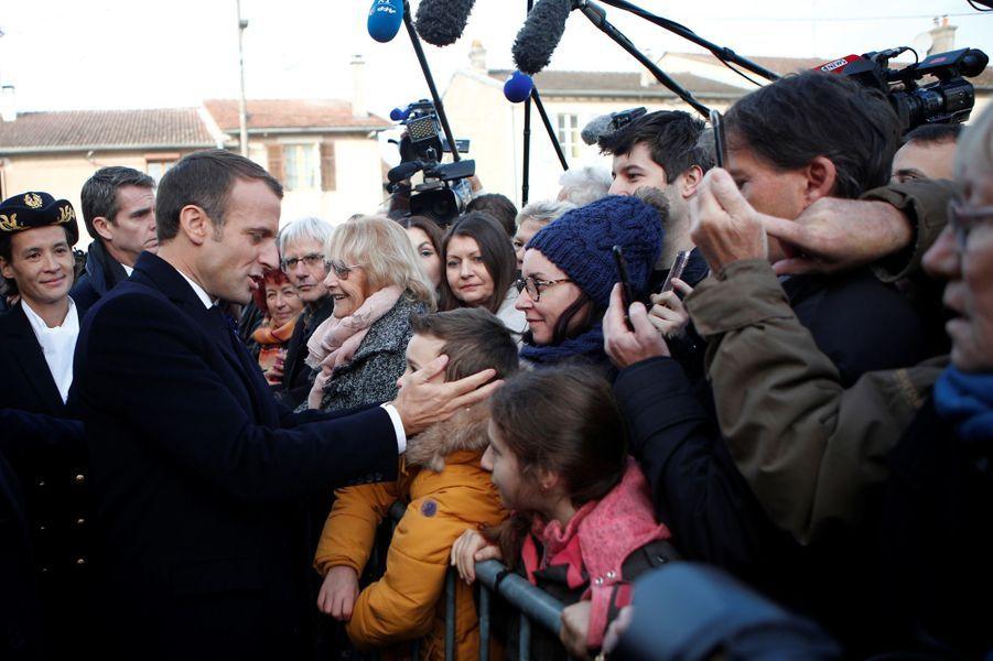 Emmanuel Macron aux Éparges mardi matin.