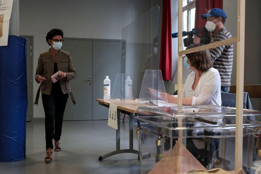 Rachida Dati vote à Paris pour le second tour des municipales.