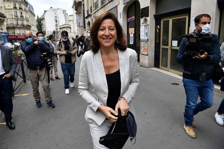 Agnès Buzyn vote à Paris pour le second tour des municipales.