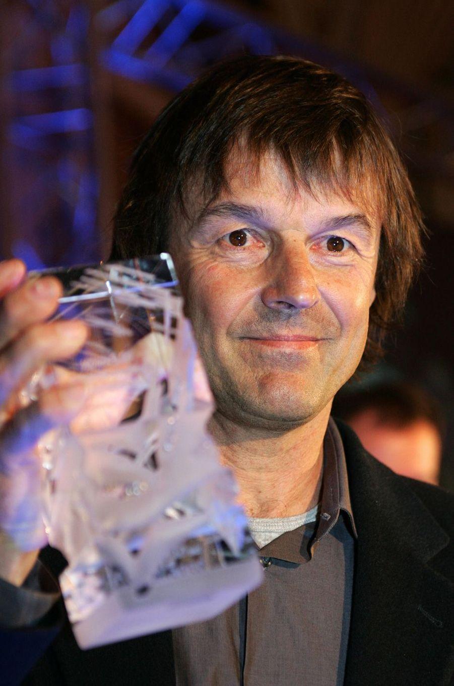 En mars 2005, il reçoit un trophée remporté dans la catégorie «Meilleures émissions de télévision», lors de la première édition des «Globes de Cristal», récompenses artistiques décernées par la presse.