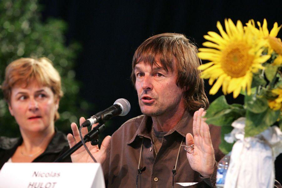 Aux côtés de la candidate des Verts à l'élection présidentielle de 2007 Dominique Voynet,en août 2006 à Coutances.