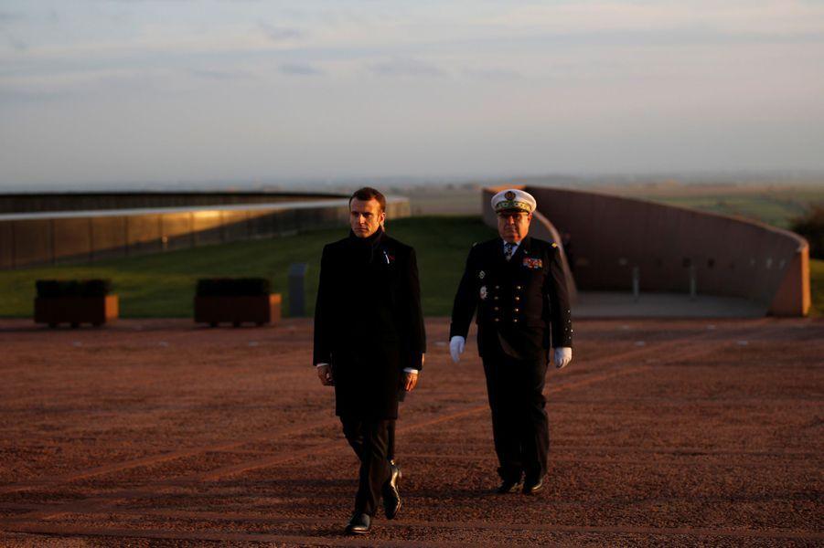Emmanuel Macron jeudi àNotre-Dame-de-Lorette.