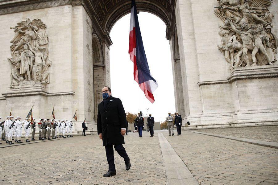 François Hollandelors de la cérémonie à l'Arc de Triomphe.