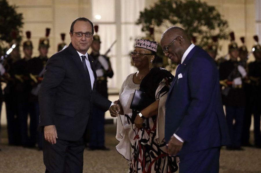 François Hollande accueille Ibrahim Boubacar Keita et son épouse Keïta Aminata Maïga à l'Elysée