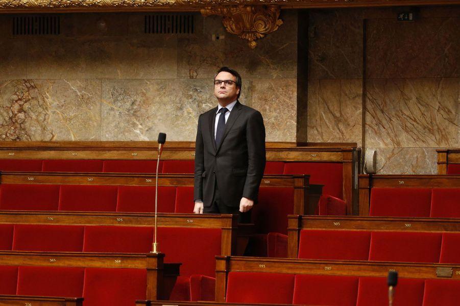 Le 4 septembre 2014,Thomas Thévenoud, secrétaire d'État au Commerce extérieur, démissionne de son poste pour s'être soustrait au fisc, neuf jours seulement après sa nomination au sein du gouvernement Valls II. Manuel Valls met officiellement fin à ses fonctions «à sa demande et pour des raisons personnelles».