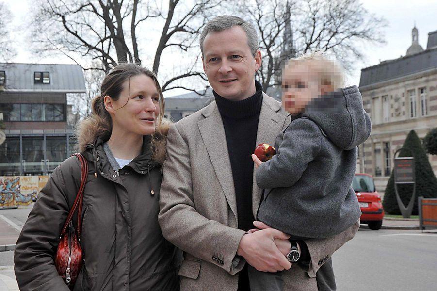 Jusqu'en septembre 2013, Pauline Le Maire, épouse de l'ancien ministre de l'Agriculture Bruno Le Maire, a travaillé à ses côtés à l'Assemblée nationale.
