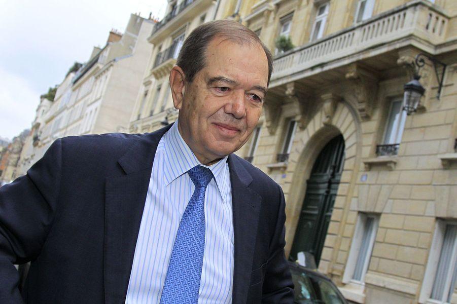 Ancien ministre et député UMP, Patrick Ollier emploie «à temps partiel» son fils Sébastien.