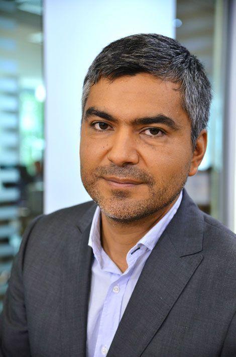 Le député Europe Ecologie-Les Verts Sergio Coronado a choisi de travailler avec son frère Ricardo à ses côtés, qui est assistant parlementaire.