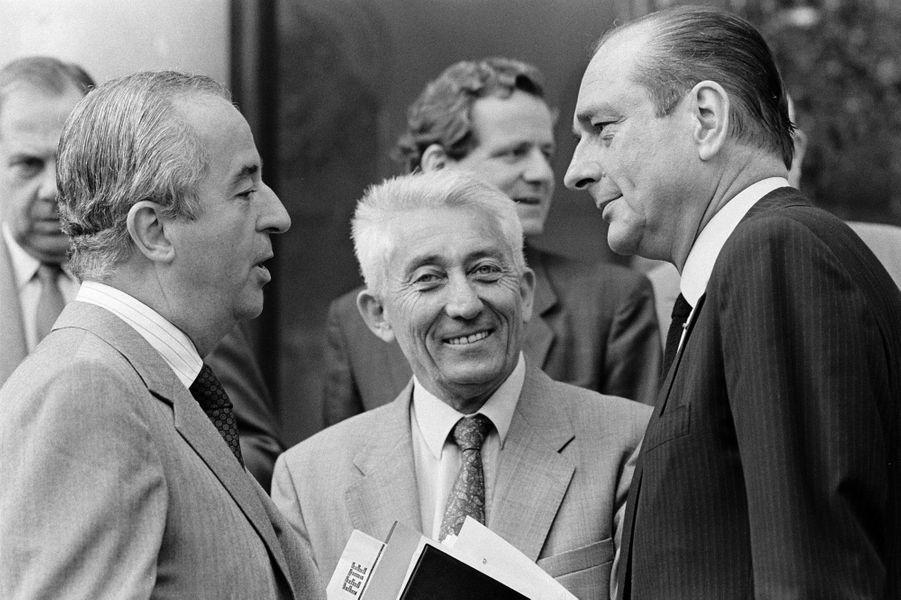 Avec Bernard Pons, en juillet 1987
