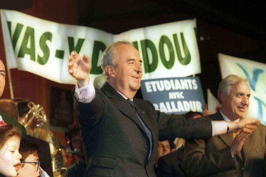 """Deux styles différents en campagne: """"Doudou"""" en mars 1995..."""