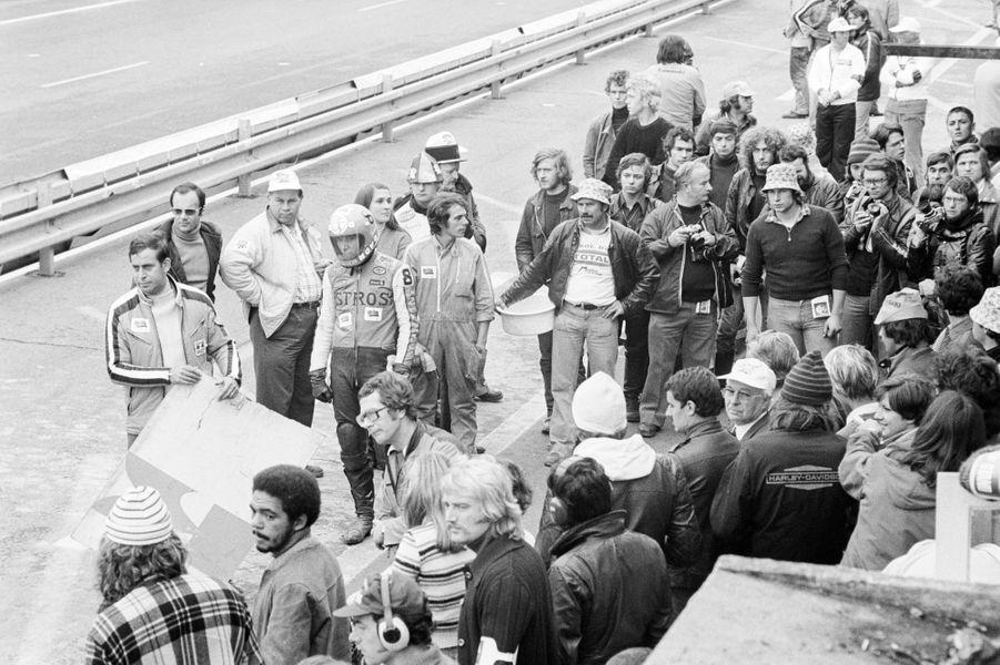 Un ancien champion de moto, ici au Bol d'or 1975