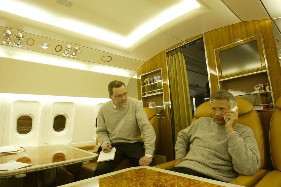Janvier 2003 : voyage en Corée-du-Sud, avec à ses côtés Bruno Le Maire, à l'époque son conseiller