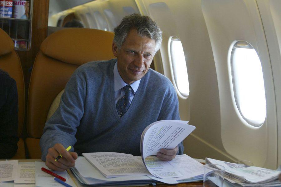 Juillet 2002 : le nouveau ministre des Affaires étrangères en tournée