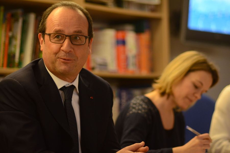 """François Hollande, rédacteur en chef d'un jour de """"L'Actu"""""""