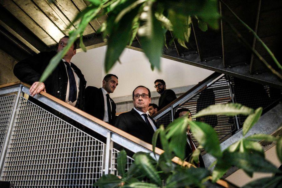 Hollande plaide l'égalité des chances à la Courneuve
