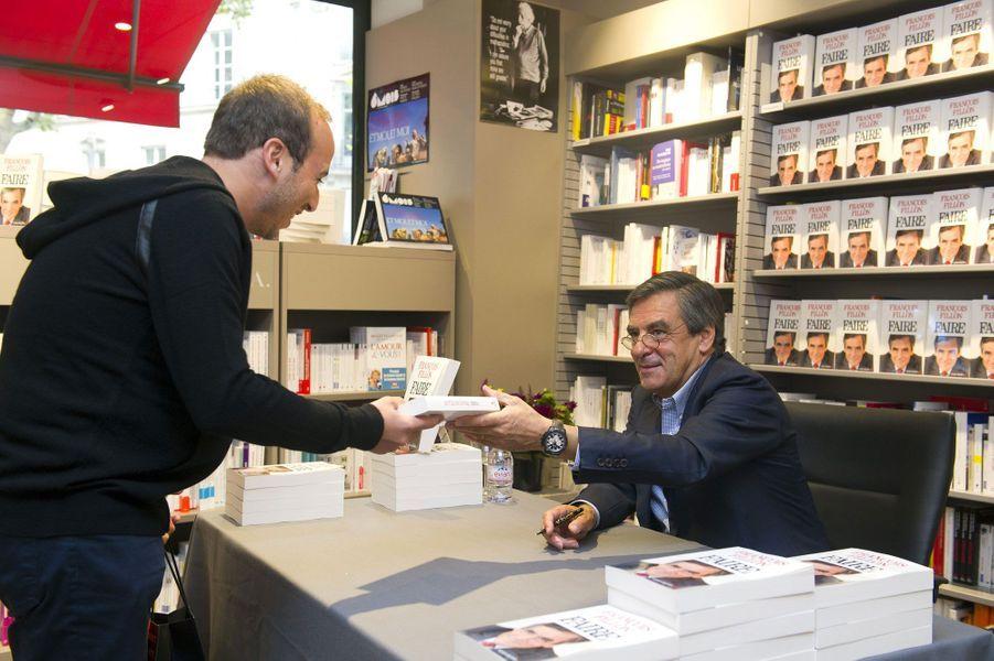 Son livre «Faire» a rencontré un succès inhabituel pour un ouvrage politique. Entre confidences personnelles et éléments de programme, François Fillon en a profité pour tourner la page de trois années difficiles depuis son départ de Matignon.