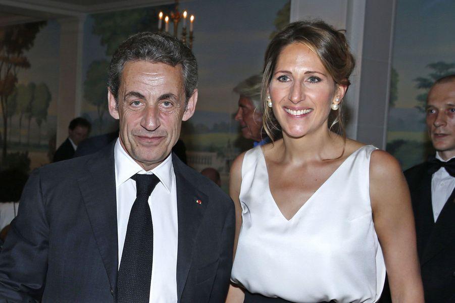 L'ancien président de la République a assisté au gala de la Maud Fontenoy Fondation. La navigatrice a rejoint cette année Les Républicains en tant que déléguée à l'environnement.
