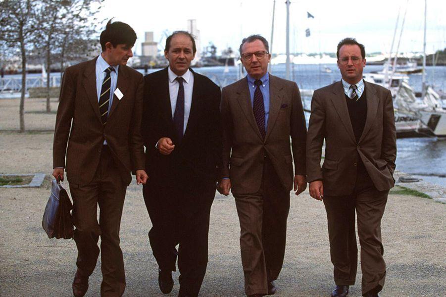 Lorient, France, 4 octobre 1992 --- Jean-Pierre JOUYET, Jean-Yves LE DRIAN et François HOLLANDE, les fondateurs des clubs Témoin pour le lancement de la candidature de Jacques DELORS, président de la Commission européenne, à l'élection présidentielle.