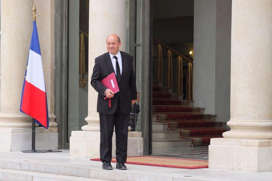 Paris, France, 17 mai 2012 --- Premier conseil des ministres du nouveau gouvernement socialiste au palais de l'Elysée : Jean-Yves LE DRIAN, ministre de la Défense.