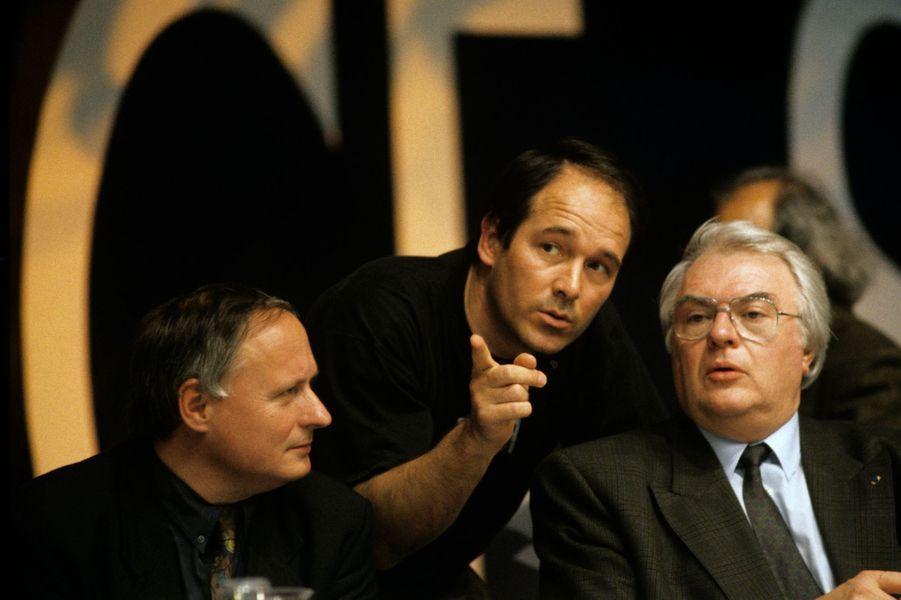 Mars 1990, à RENNES, FRANCE, le 10e congrès du Parti Socialiste : Jean-Yves LE DRIAN et Pierre MAUROY.