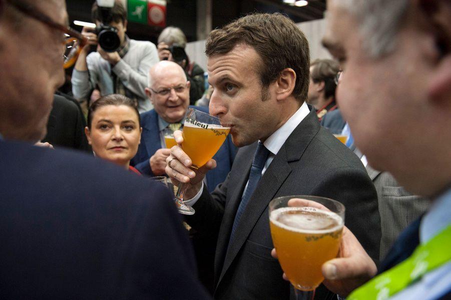 Emmanuel Macron, mardi 24