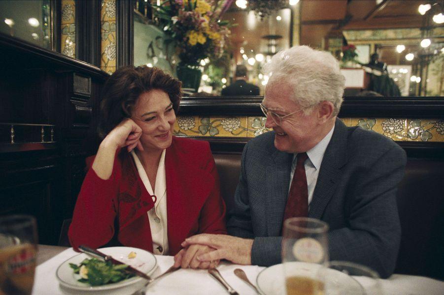 Lionel Jospin et son épouse Sylviane à la brasserie Lipp en avril 1995