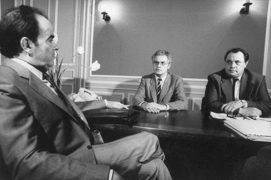 Mars 1982 : Lionel Jospin et Marcel Debarge reçoivent Georges Marchais au siège du PS