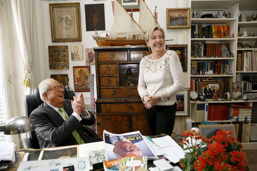 Dans son bureau, en 2007