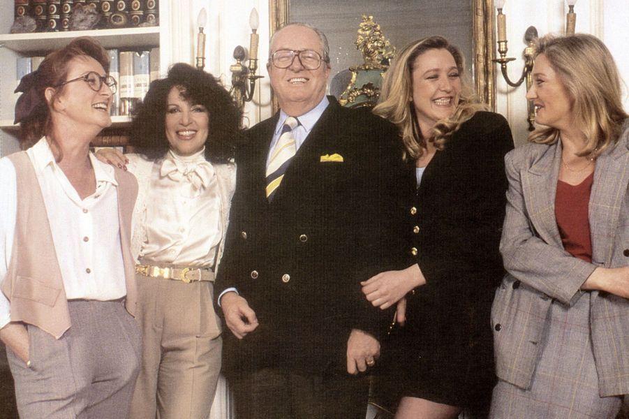 Yann, Jany, la seconde épouse du leader du FN, Jean-Marie Le Pen, Marine et Marie-Caroline.