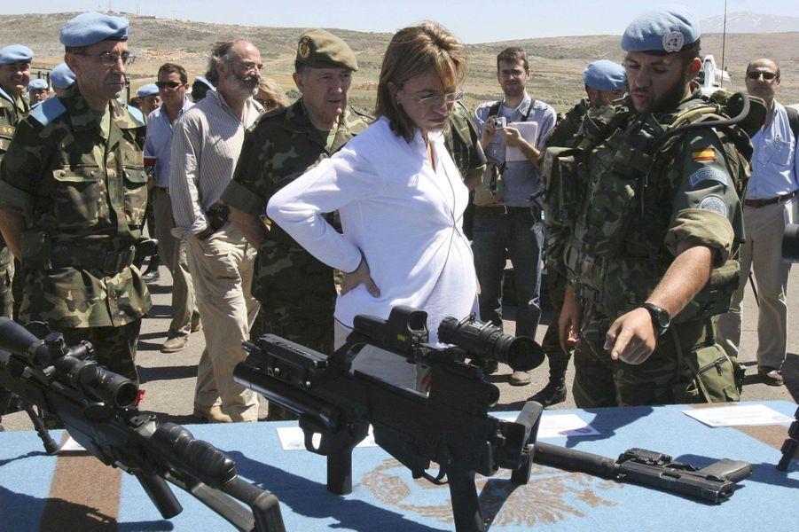 Avril 2008 : Carme Chacon en tournée d'inspection des forces espagnoles au Liban