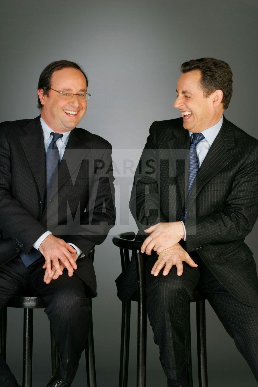 Nicolas Sarkozy et François Hollande posent pour la Une de Match