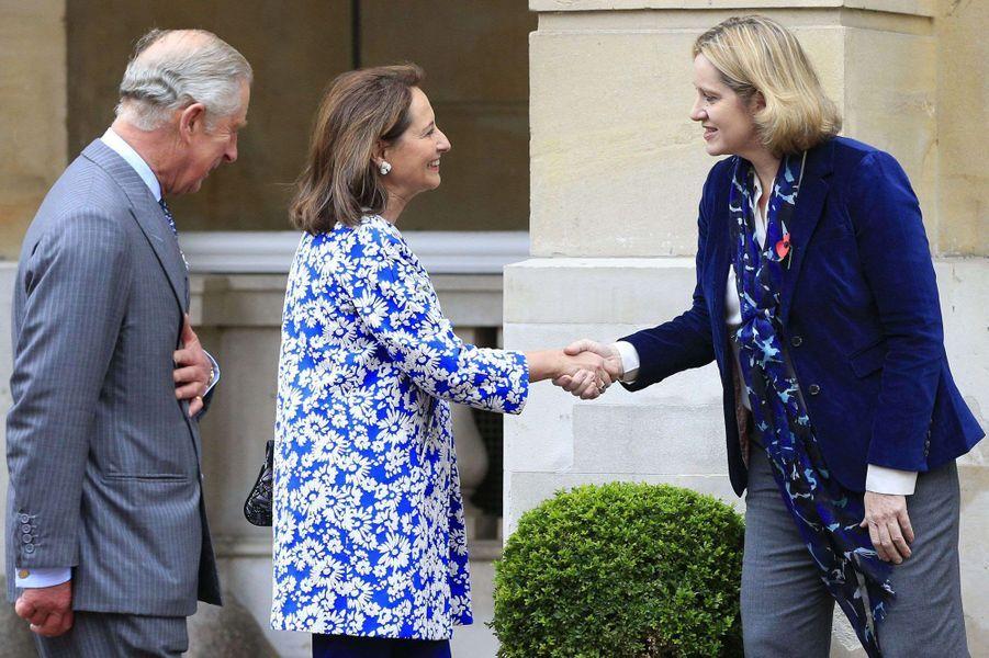 Amber Rudd, secrétaire d'Etat pour l'Energie et le Climat, accueille Ségolène Royal