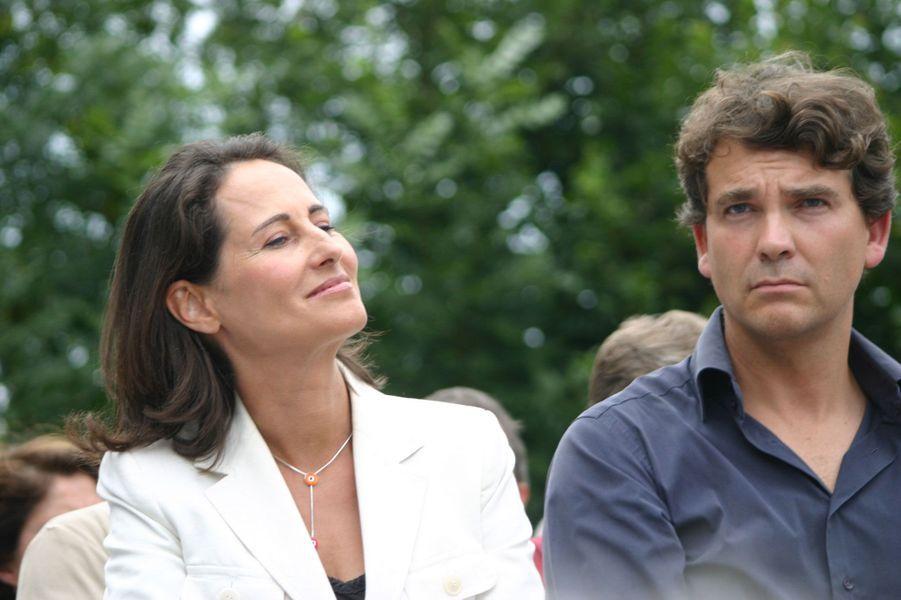 Août 2006 : à la fête de la rose, dans le fief d'Arnaud Montebourg