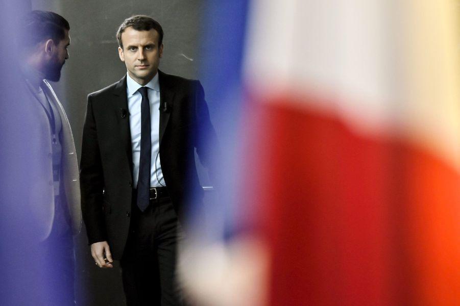 Enfin candidat : le 16 novembre, après des semaines de faux suspense, Emmanuel Macron se déclare à Bobigny.