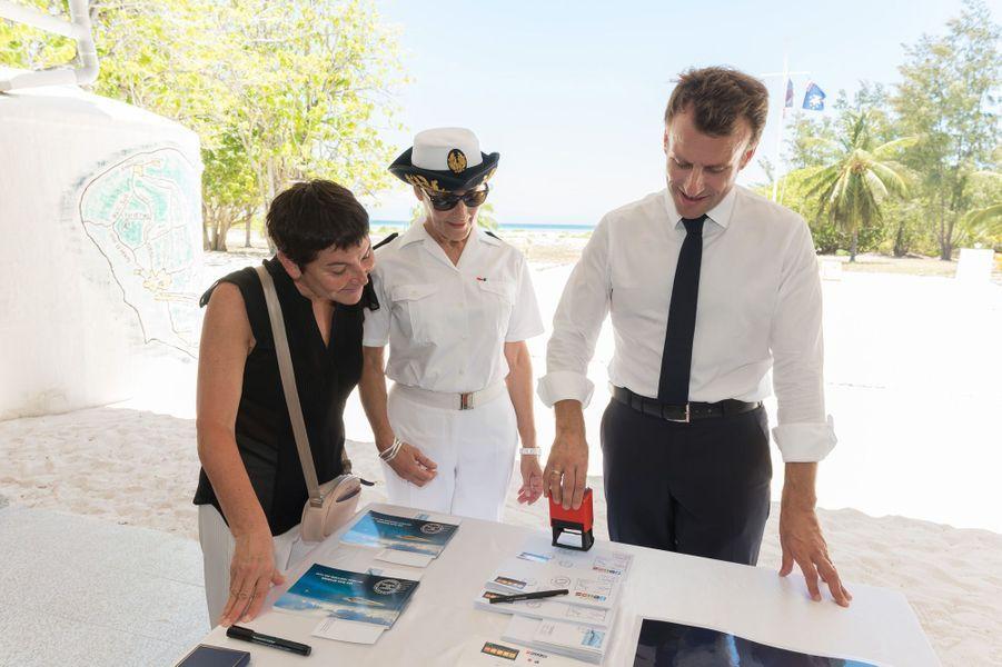Le chef de l'Etat a rencontré des scientifiques pour évoquer la création d'une réserve nationale naturelle sur l'archipel des Glorieuses.
