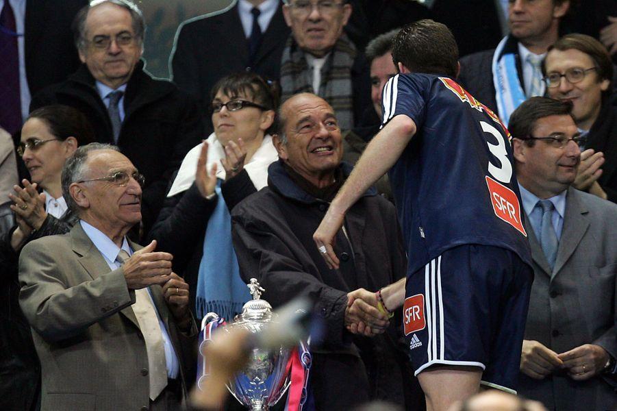 Jacques Chirac félicite Pedro Miguel Pauleta le 29 avril 2006 après la victoire contre l'OM.