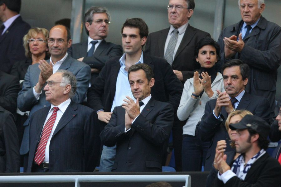 Nicolas Sarkozy le 24 mai 2008 lors du match entre le PSG et l'OL.