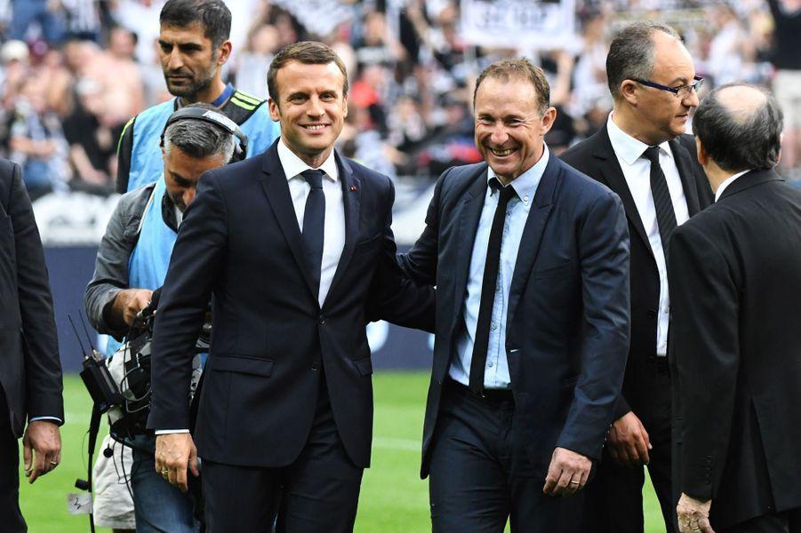 Emmanuel Macron et Jean-Pierre Papin en 2017.