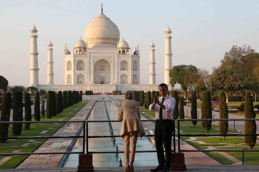 Emmanuel et Brigitte Macron au Taj Mahal, le 11 mars 2018.