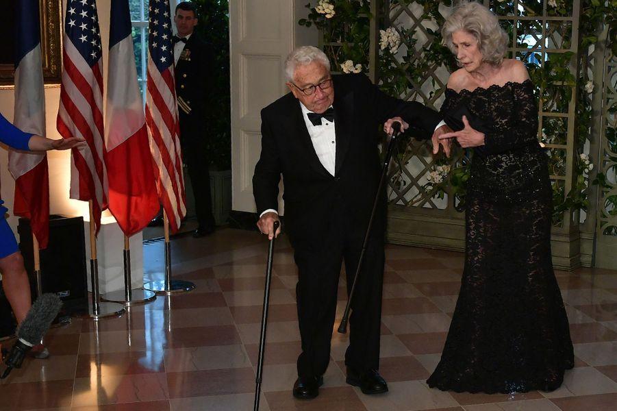L'anciensecrétaire d'Etat Henry Kissinger et son épouse Nancy.