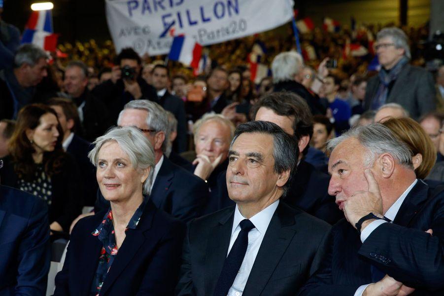 Le couple Fillon et Gérard Larcher au meeting de La Villette.