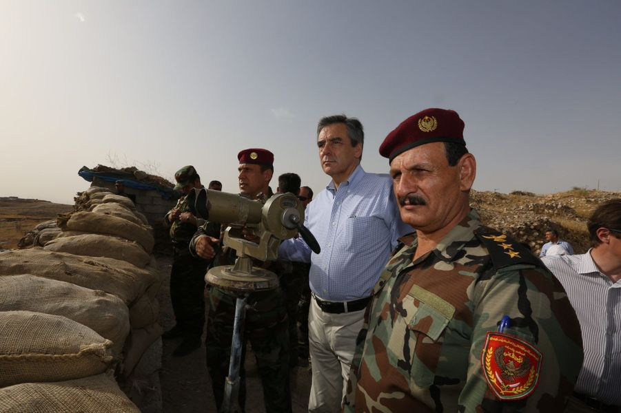 Samedi 4 juin, le général Ato Zibari détaille la ligne de front à François Fillon. Le matin, les peshmergas ont essuyé trois tirs de mortier.