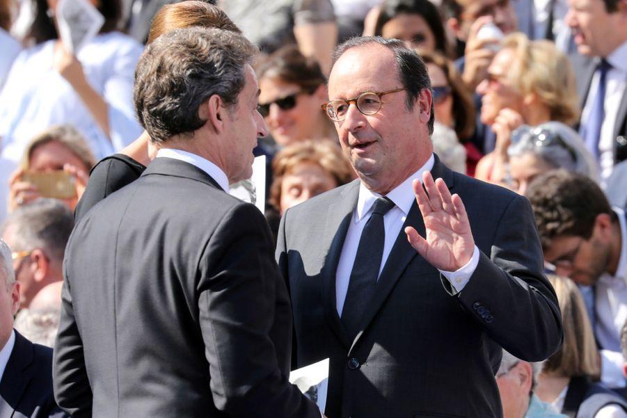 François Hollande, Julie Gayet, Nicolas Sarkozy Et Carla Bruni À La Cérémonie De L'entrée Au Panthéon De Simone Veil ( 1