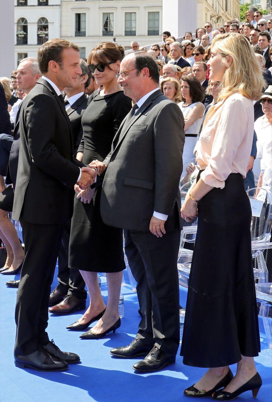 François Hollande, Julie Gayet, Nicolas Sarkozy Et Carla Bruni À La Cérémonie De L'entrée Au Panthéon De Simone Veil ( 16