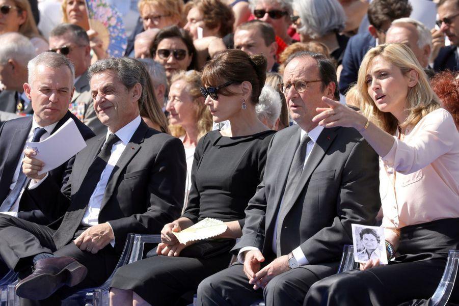 François Hollande, Julie Gayet, Nicolas Sarkozy Et Carla Bruni À La Cérémonie De L'entrée Au Panthéon De Simone Veil ( 2