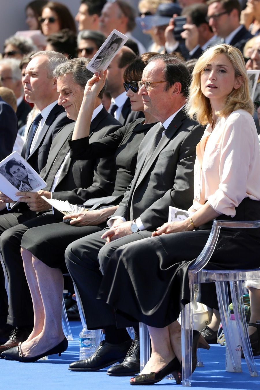 François Hollande, Julie Gayet, Nicolas Sarkozy Et Carla Bruni À La Cérémonie De L'entrée Au Panthéon De Simone Veil ( 7